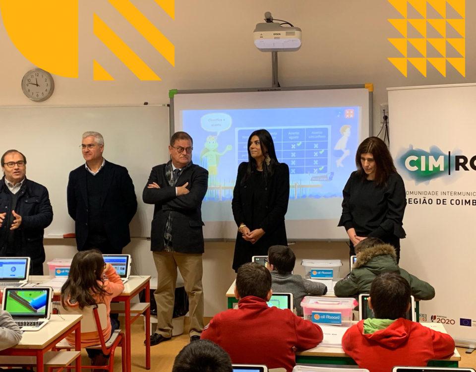 Sidónio Costa (AE Tábua), Mário Loureiro (Presidente CM Tábua) João Ataíde (Presidente da CIMRC), Cristina Oliveira (DGESTE) e Susana Mendes (CM Tàbua)